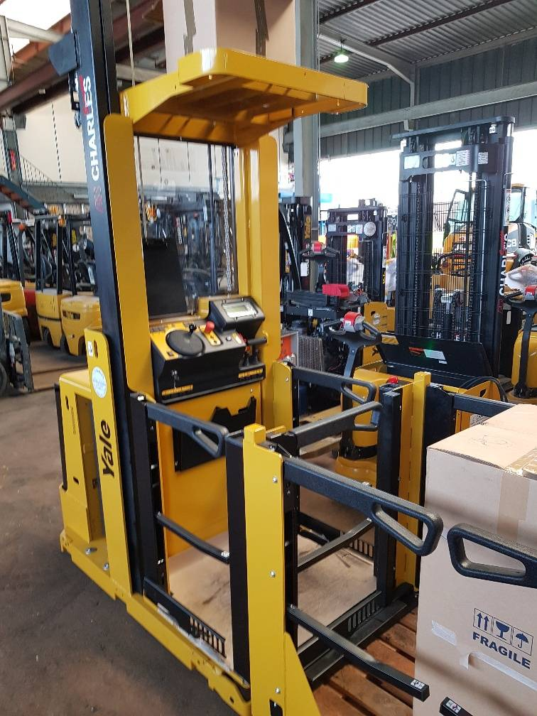 Yale MO10E, Low lift order picker, Material Handling