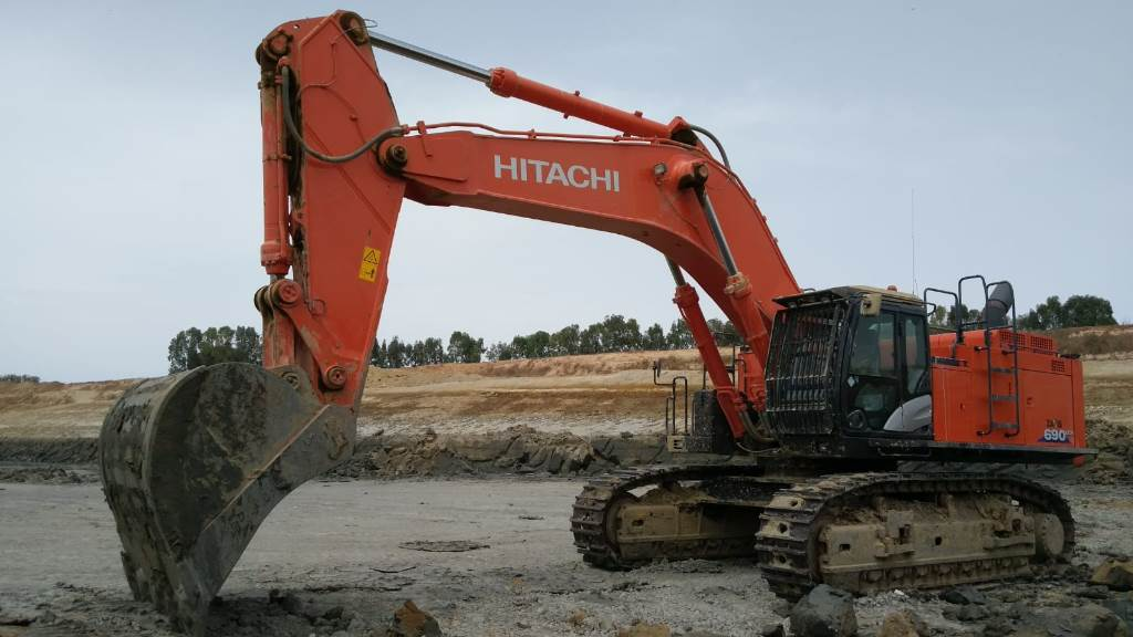 Hitachi ZX 690LCH-6, Crawler Excavators, Construction Equipment