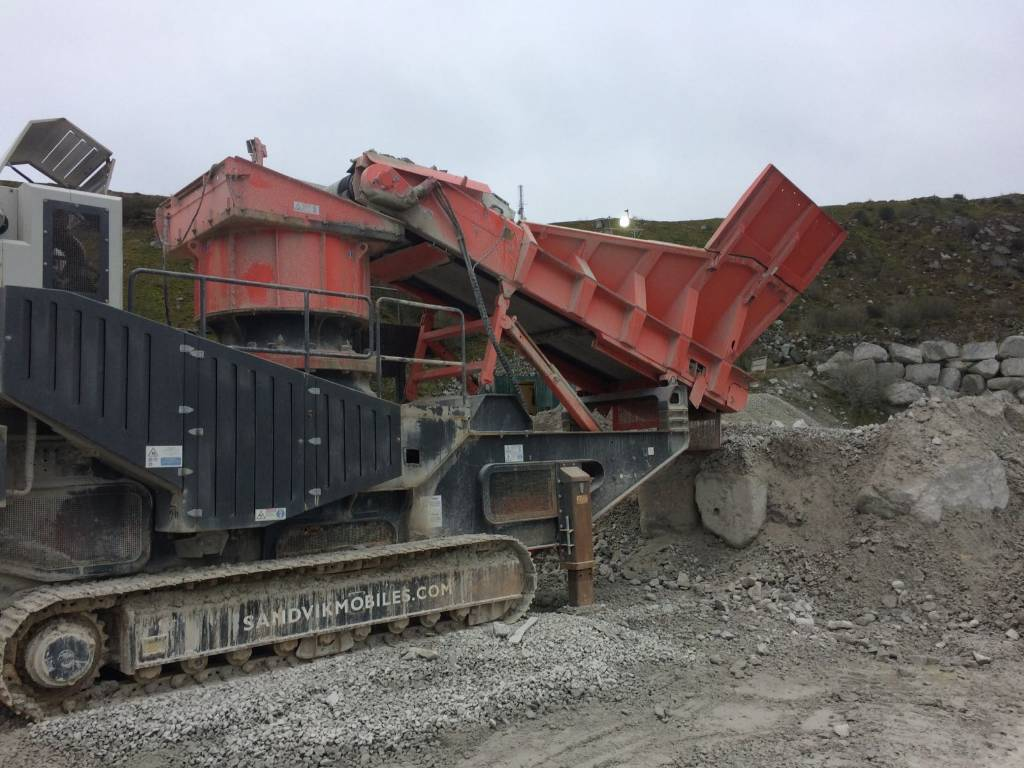 Sandvik QH 441, Knusere, Anlegg
