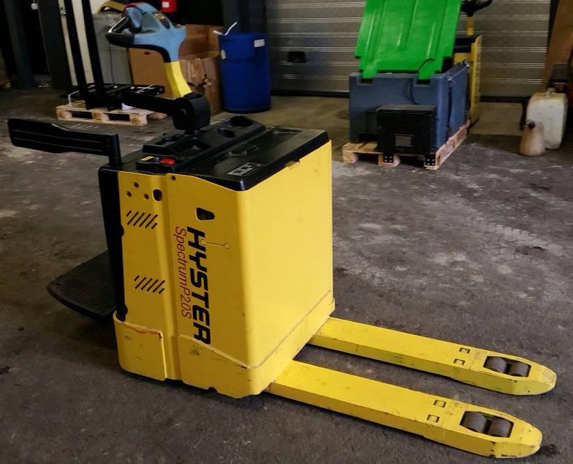 Hyster P2.0S, Lavansiirtotrukit ajotasolla, Materiaalinkäsittely