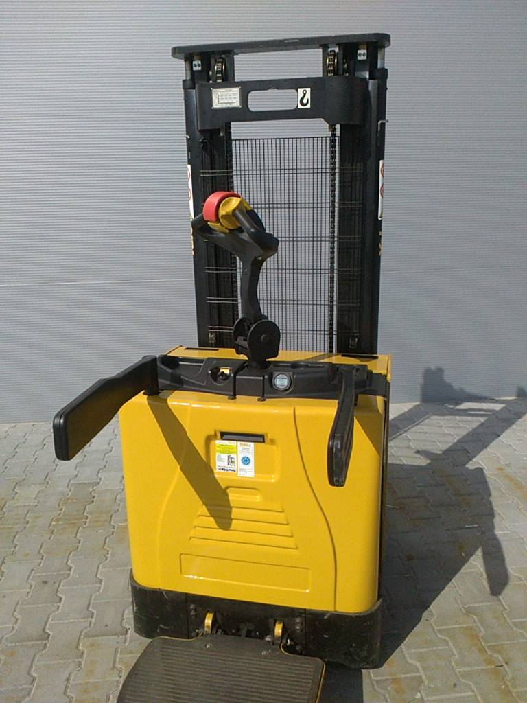 Yale MS12X, Pedestrian stacker, Material Handling