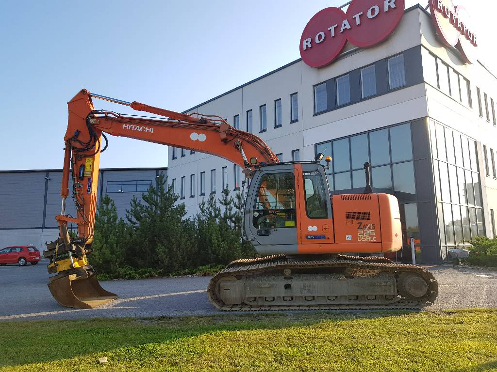 Hitachi ZX225USRLC, Crawler excavators, Construction