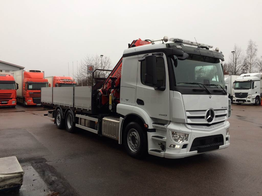 Used mercedes benz actros 2543l crane trucks year 2017 for Mercedes benz astros