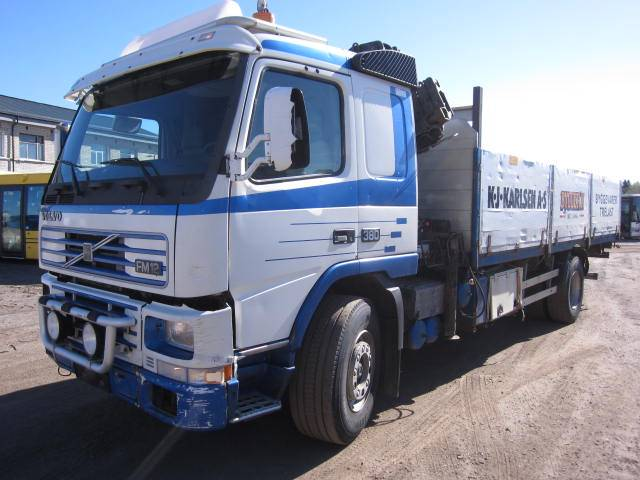 Volvo FM12, Kraanaga veokid, Transport