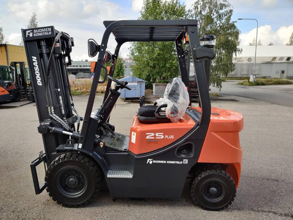 Doosan D25 G PLUS, Dieseltrukit, Materiaalinkäsittely