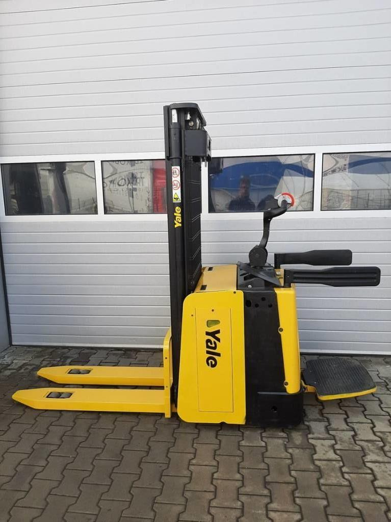 Yale MS15X IL, Pedestrian stacker, Material Handling