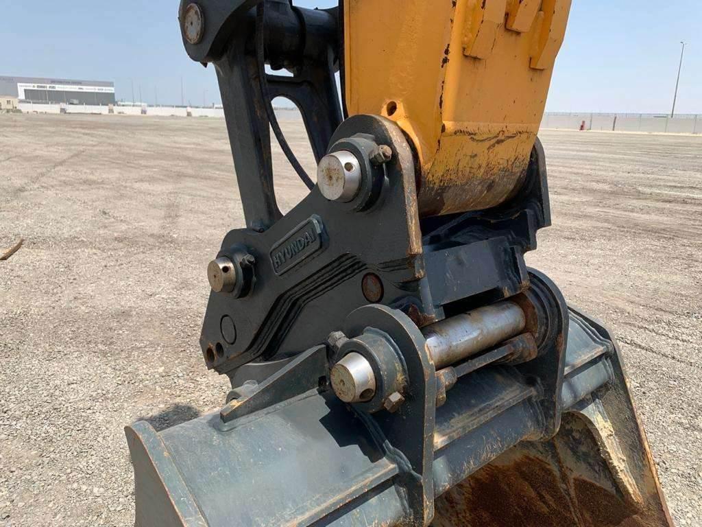 Hyundai HX220SLA, Crawler Excavators, Construction
