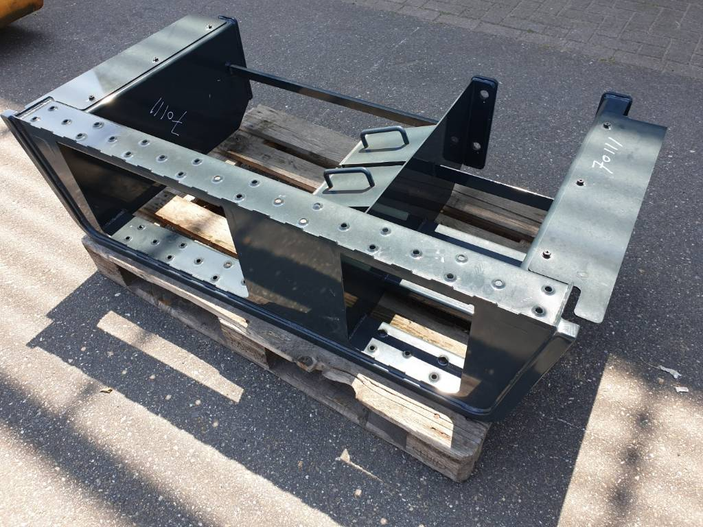 Hyundai Steps - HW140, Chassis and suspension, Construction