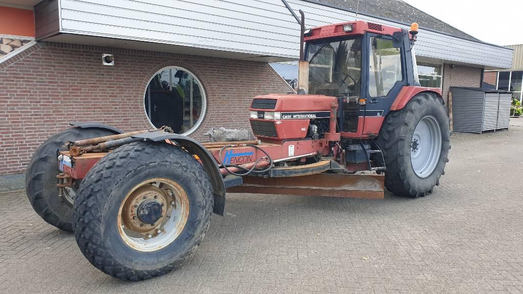 Case IH met hencon wegenschaaf 895XL, Tractors, Agriculture