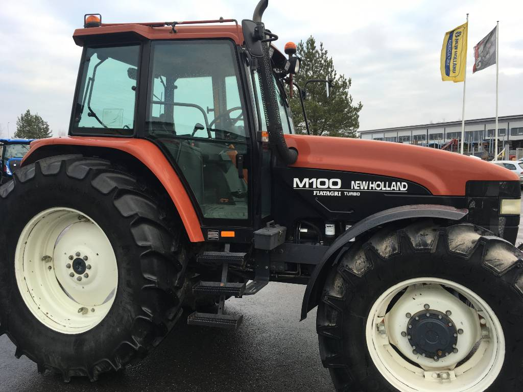 New Holland M 100-4 Turbo etunostolaite, Traktorit, Maatalous