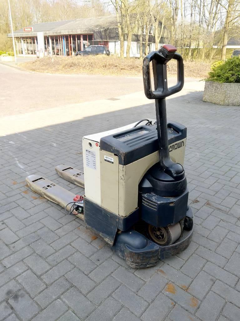 Crown 1000 palletwagen, Electro-pallettrucks, Laden en lossen