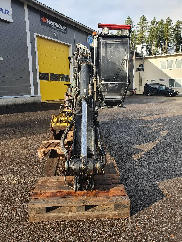 Jonsered J1080DT96, Puutavaranosturit, Kuljetuskalusto