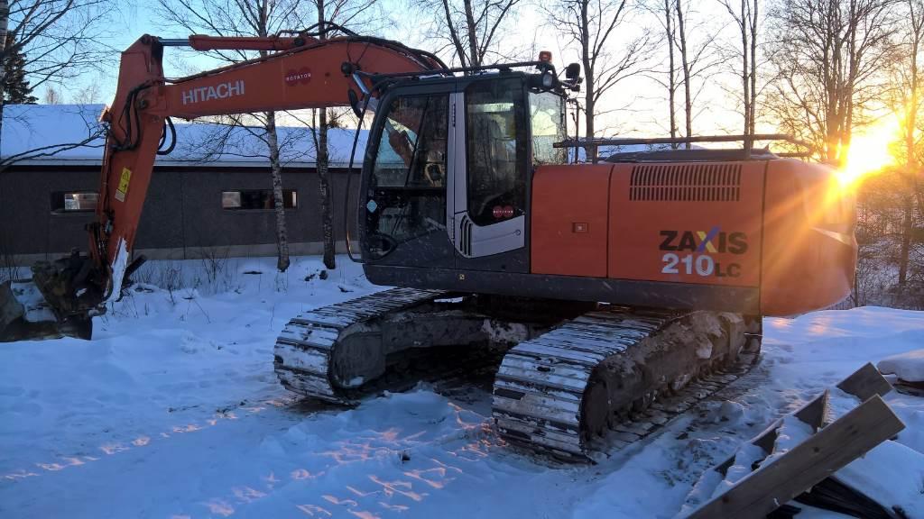 Hitachi ZX210LC-3, Crawler excavators, Construction