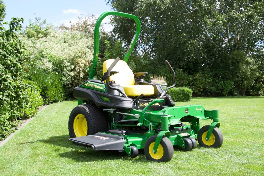 John Deere Z 915 E, Zero turn mowers, Groundcare