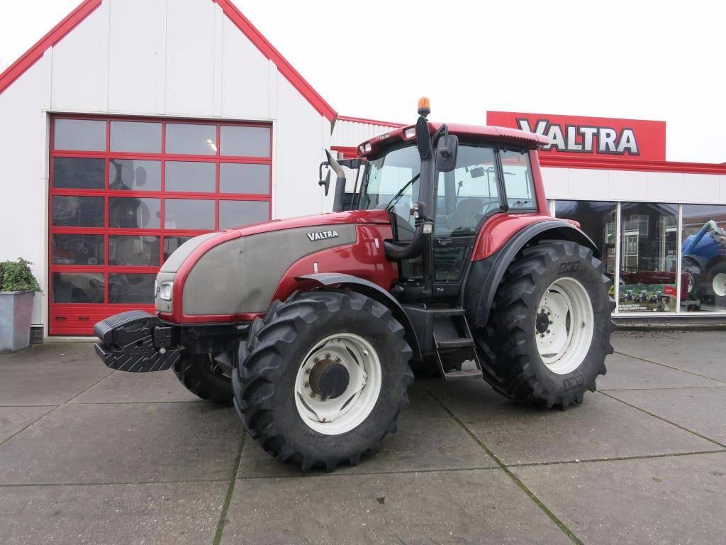 Valtra T150, Tractoren, Landbouw