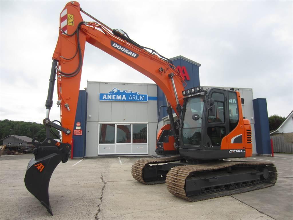 Doosan DX140LCR-5, Crawler Excavators, Construction Equipment
