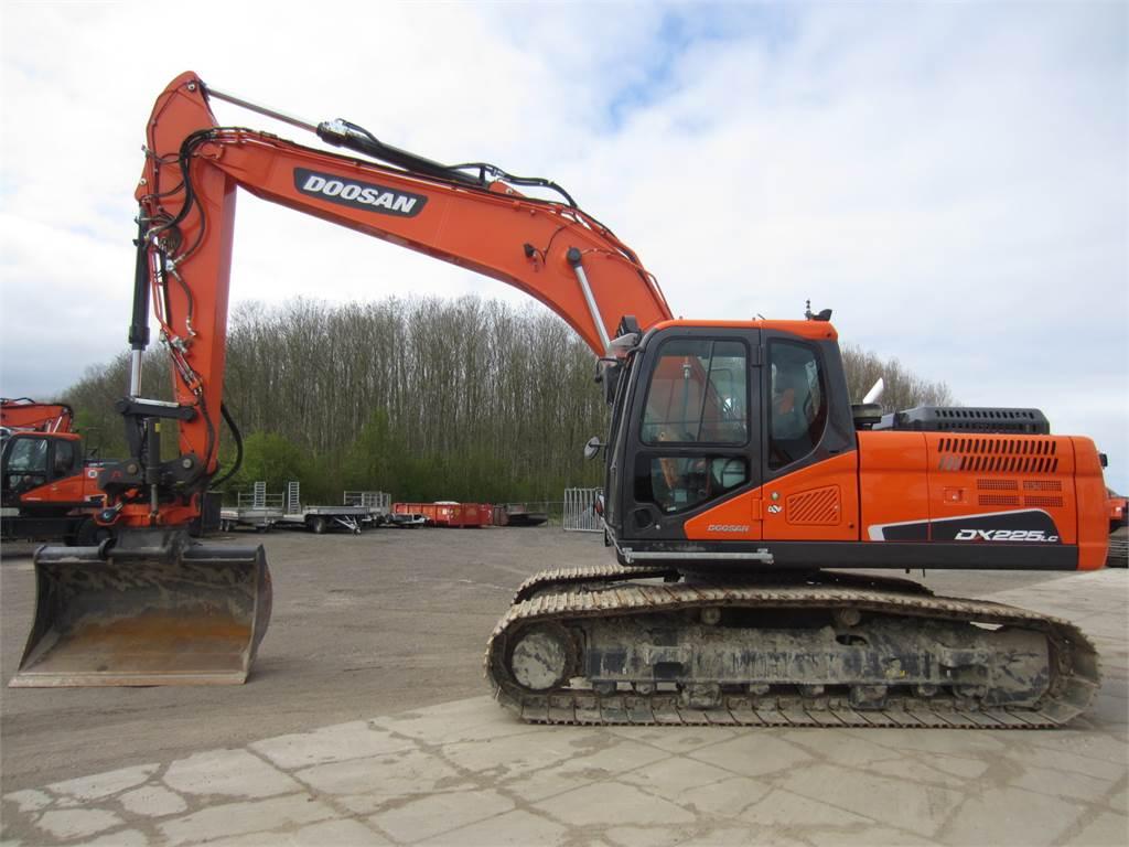 Doosan DX225LC-5, Crawler Excavators, Construction Equipment