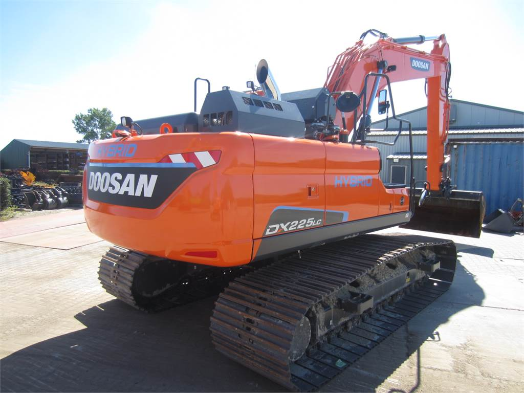 Doosan DX225LC-5, Crawler Excavators, Construction Equipment
