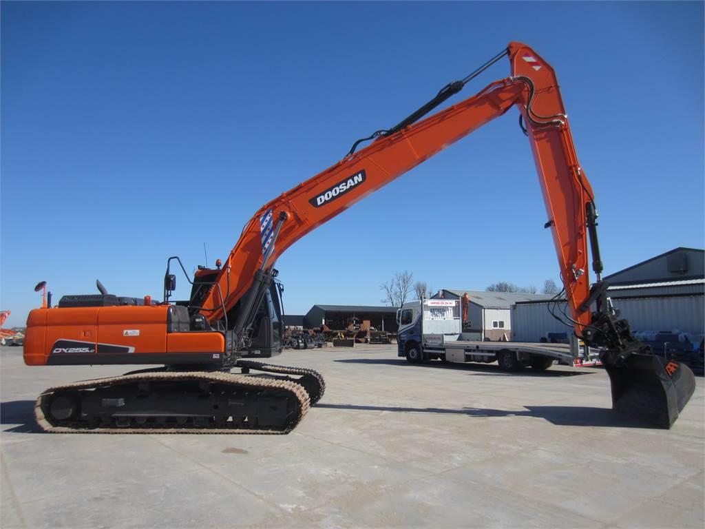 Doosan DX255LC-3, Crawler Excavators, Construction Equipment