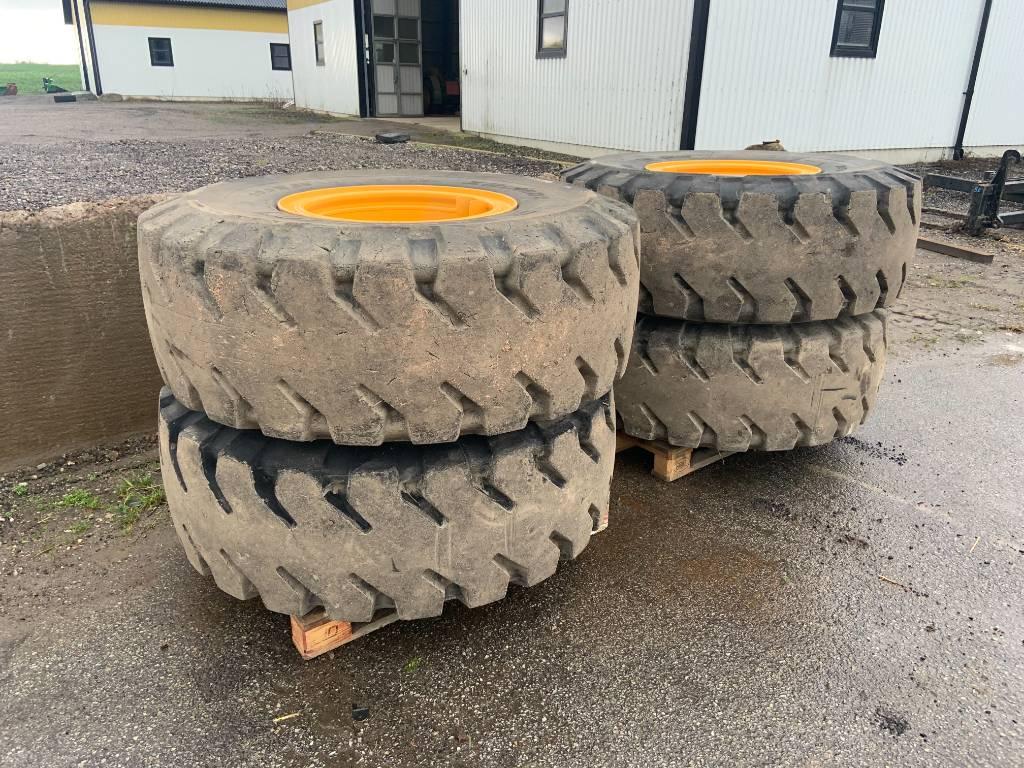 Michelin bergdäck m fälg till Volvo L60F, Däck, hjul och fälgar, Entreprenad