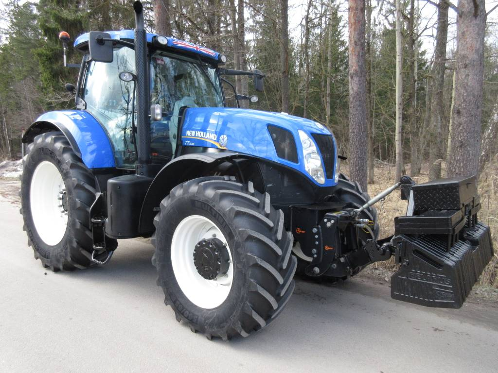 New Holland T 7.235, Tractors, Agriculture