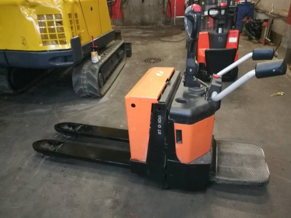 BT LPE 200 / 8, Lavansiirtotrukit ajotasolla, Materiaalinkäsittely