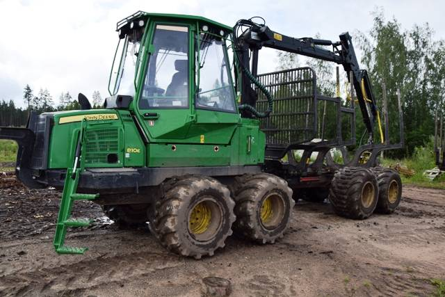 John Deere 810E, Forwarders, Forestry