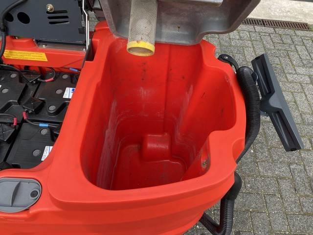 Hako opzit schrobmachine, 75 cm., Veegmachines voor binnen, Laden en lossen