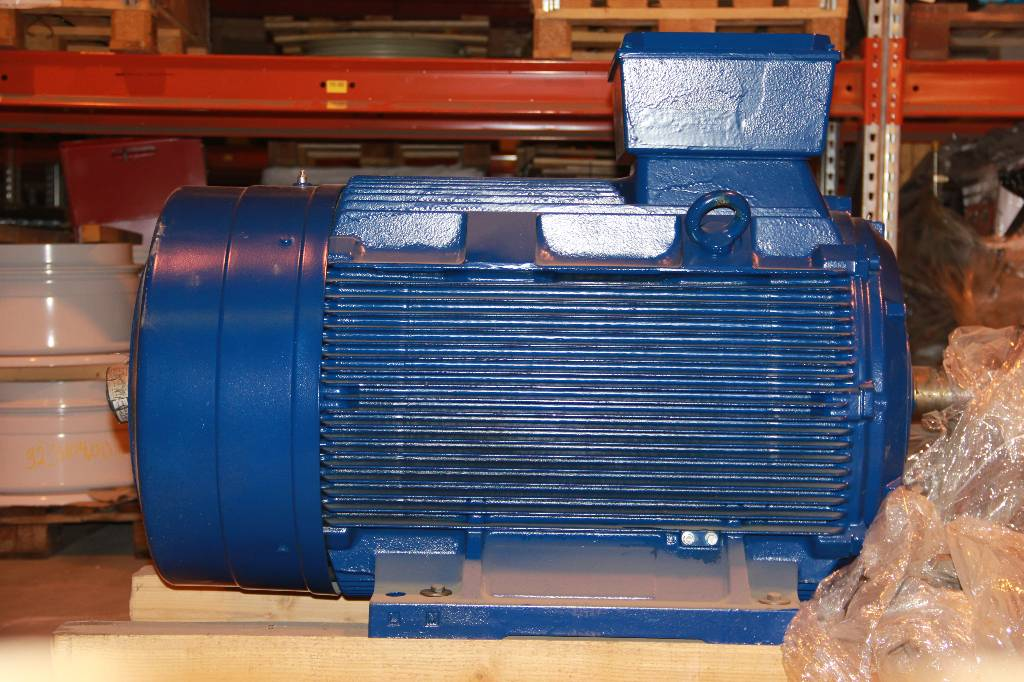 Siemens ELECTRIC MOTOR 1LG4317-4AA90-Z, Engines, Material Handling