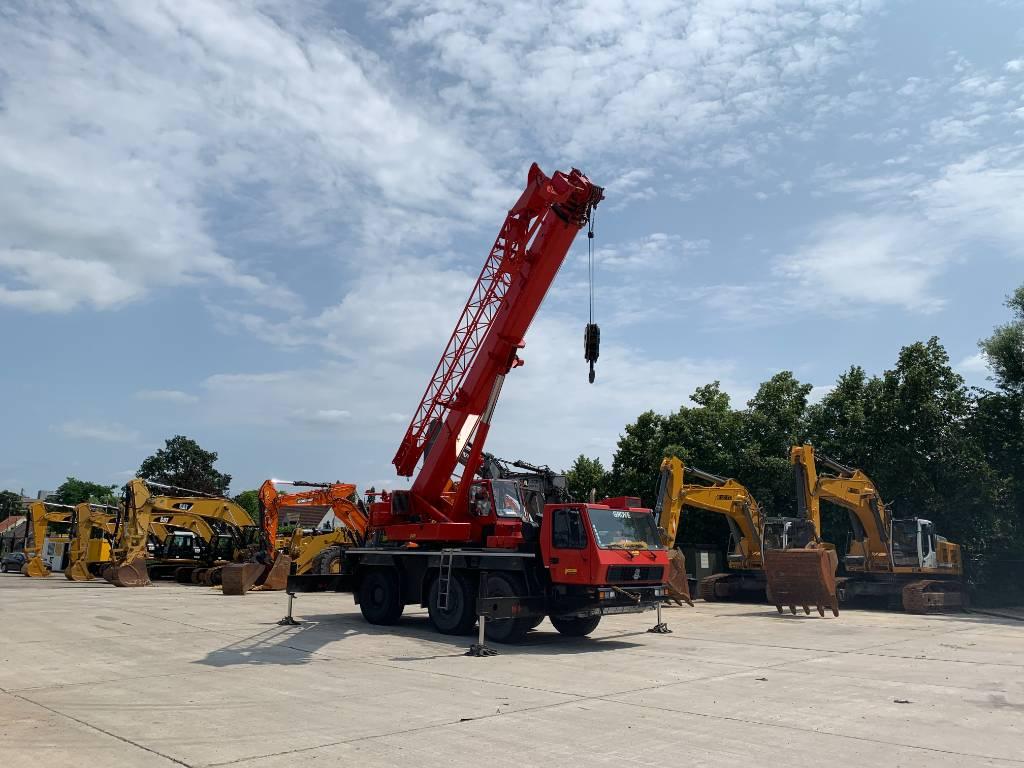 Grove GMK 3050, All terrain cranes, Construction