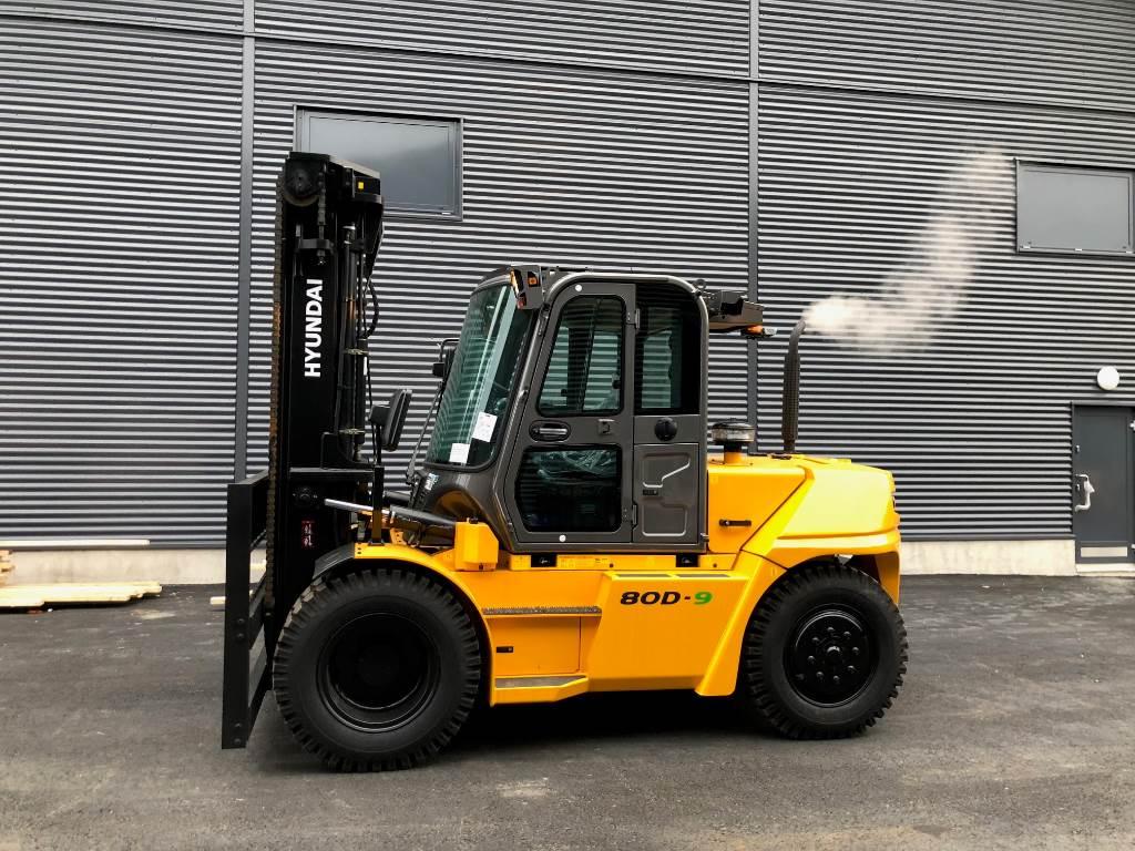 Hyundai 80D-9, Dieseltrukit, Materiaalinkäsittely
