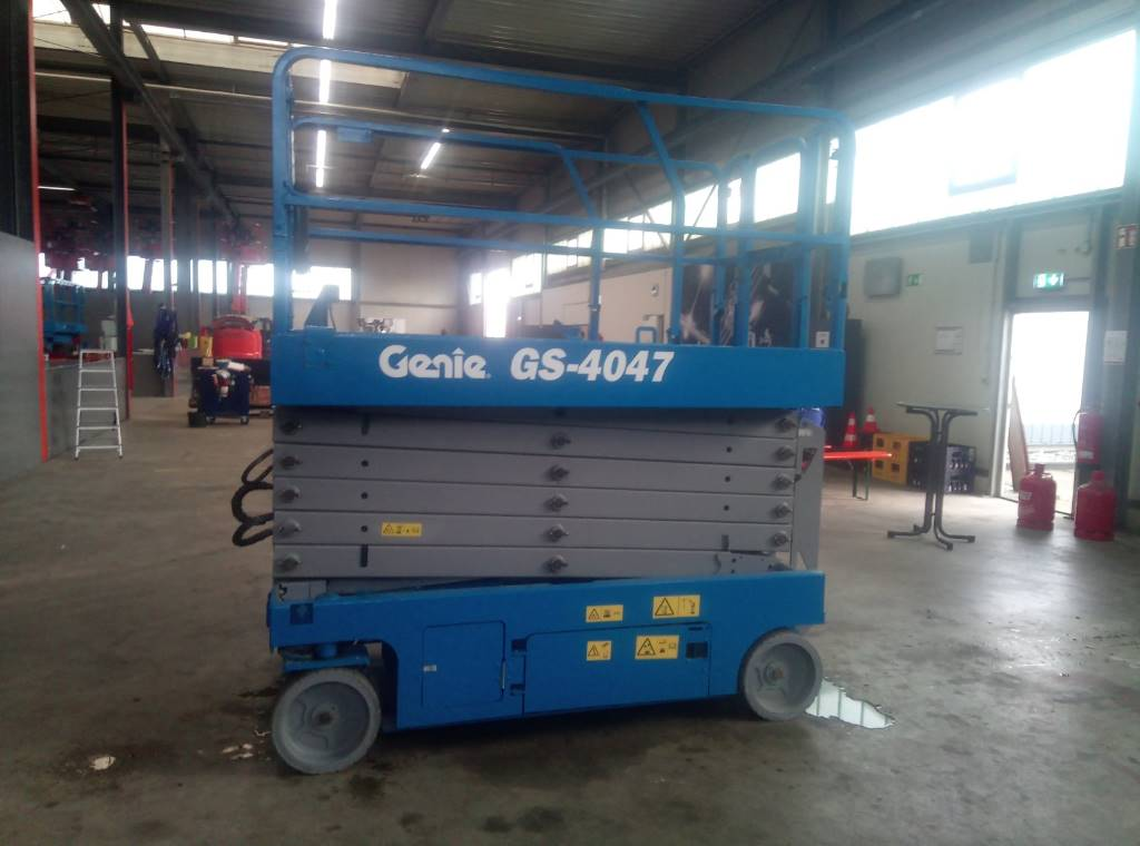 Genie GS 4047, Scissor lifts, Construction