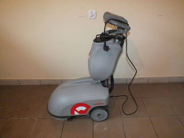 used tennant karcher nilfisk hako rcm comac sweepers for. Black Bedroom Furniture Sets. Home Design Ideas