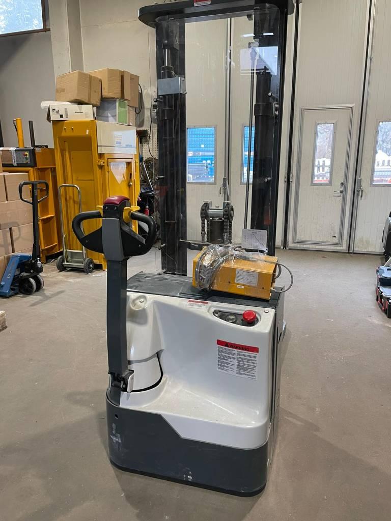 Handy PVPK12-3300, Käyden ajettavat pinoamistrukit, Materiaalinkäsittely