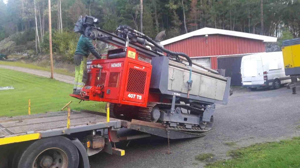 Nemek 407 TS Fabriksrenoverad, Borrutrustning för vattenborrning, Entreprenad