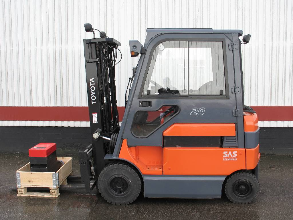 Toyota 7FBMF20, Electric forklift trucks, Material Handling