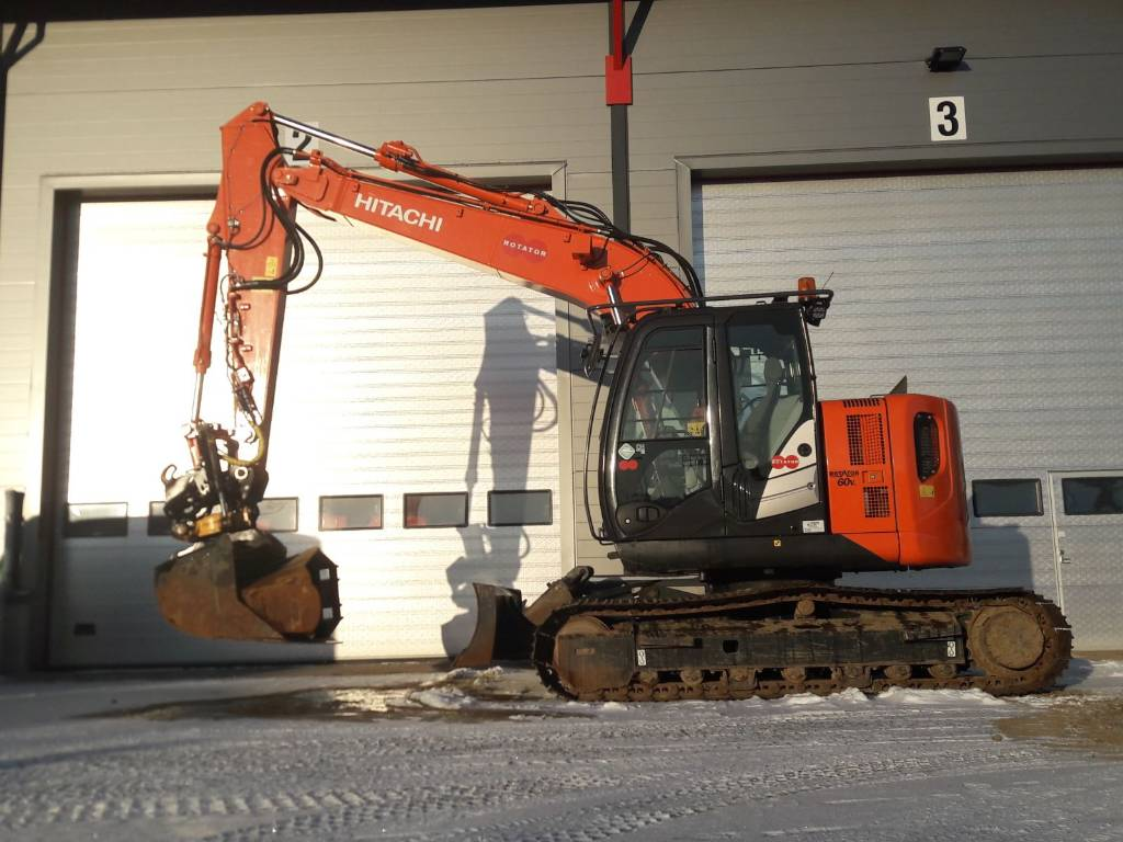 Hitachi ZX135US-5B, Crawler excavators, Construction