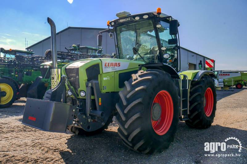 CLAAS Xerion 3300, with 3304 hours, 50 km h