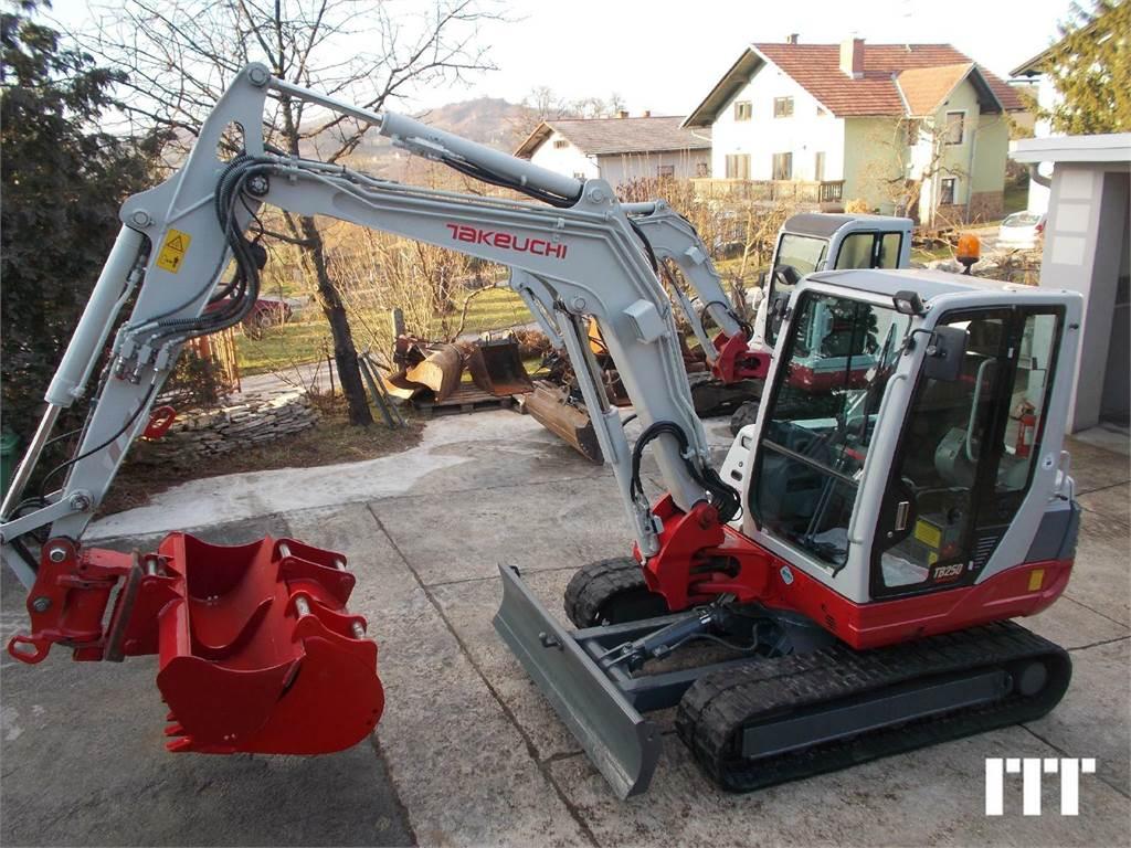 Takeuchi TB 250, Mini excavadoras < 7t, Construcción