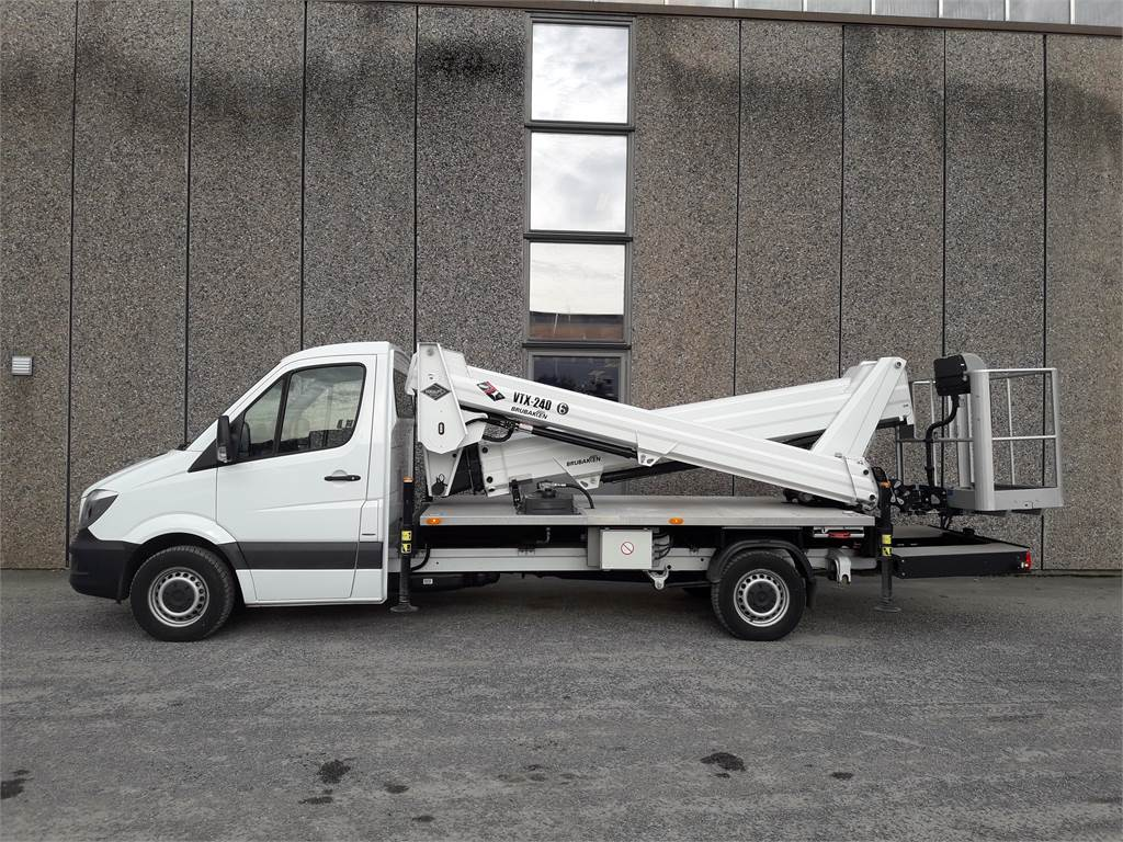 VERSALIFT VTX-240, Lastebilmontert lift, Anlegg