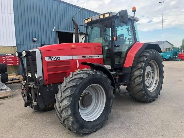Massey Ferguson 8140 med frontlyft, Traktorer, Lantbruk