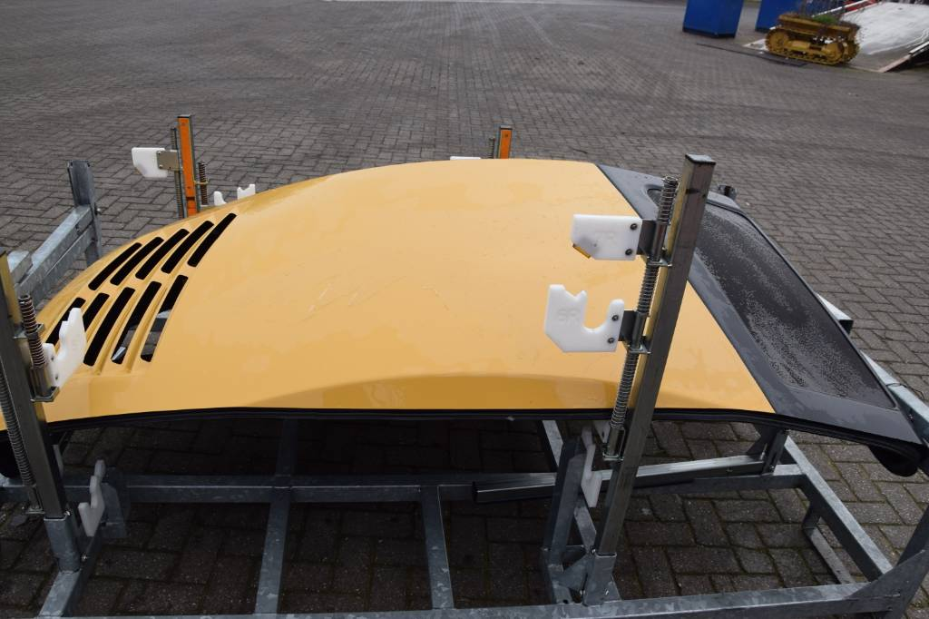 Caterpillar ENGINE COVER TELEHANDLER, Chassis and suspension, Construction