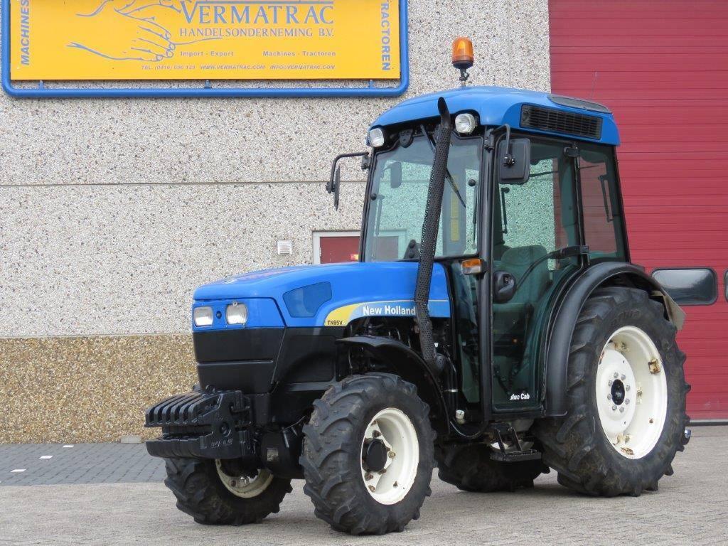 New Holland TN95VA