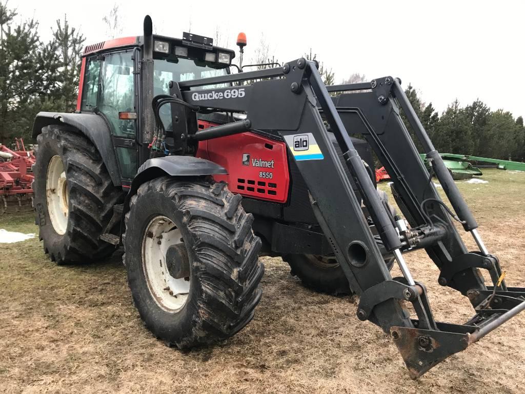 Valtra Valmet 8550 w Quicke 695 front loader