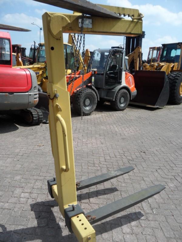 [Other] Pallethaak/Crane fork 2000 kg