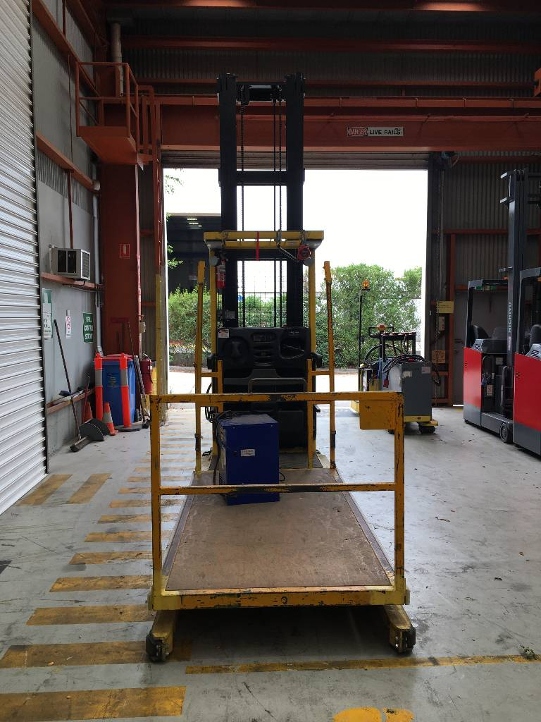 Hyster R30XMF3, High lift order picker, Material Handling
