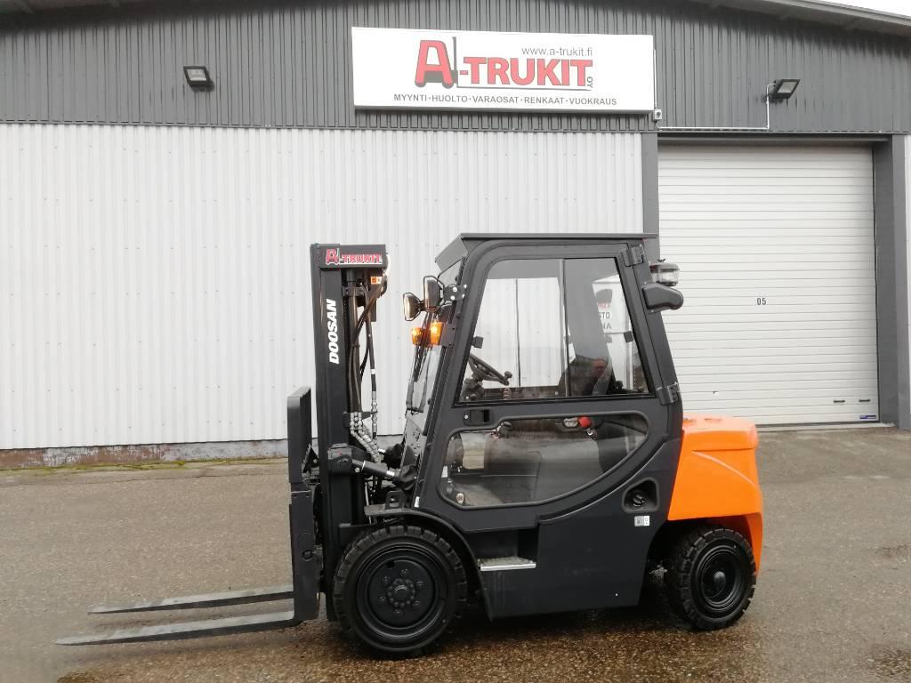 Doosan D30 G Plus, Dieseltrukit, Materiaalinkäsittely