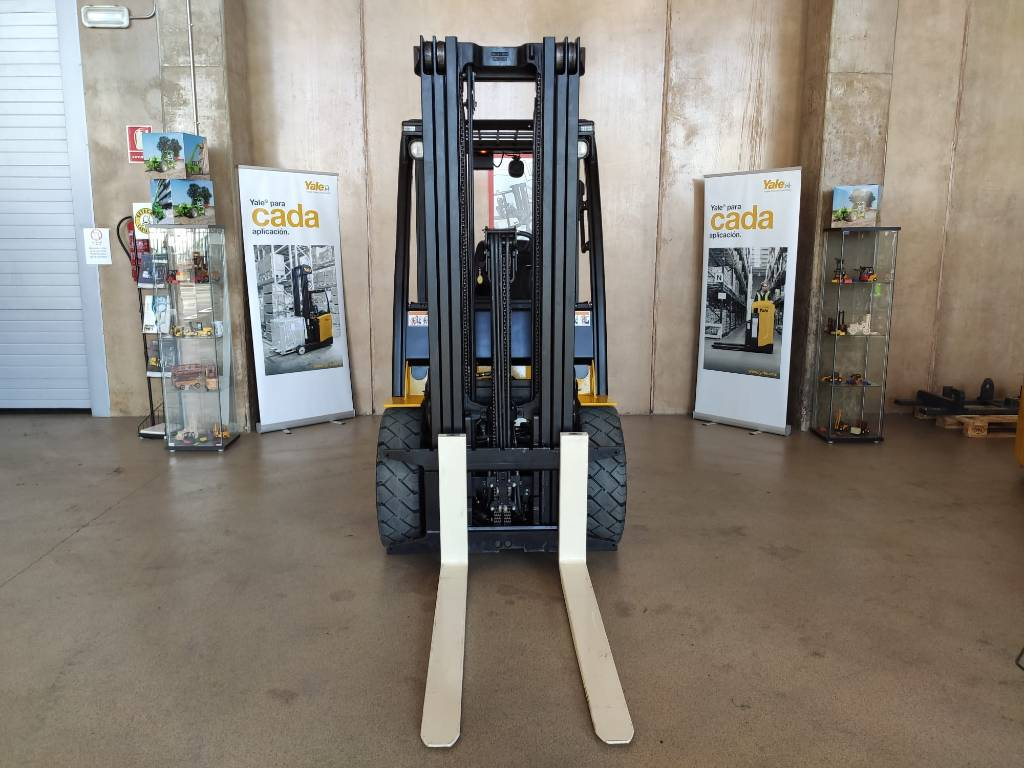 Yale GDP30VX, Diesel counterbalance Forklifts, Material Handling