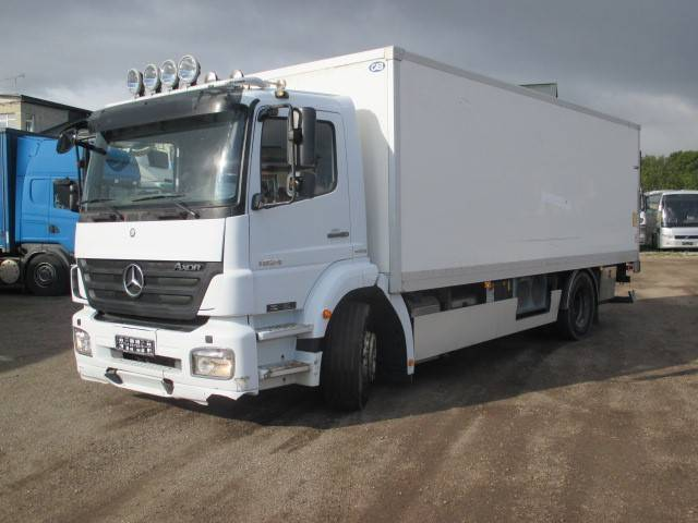 Mercedes-Benz 1824L, Reefer Trucks, Trucks and Trailers