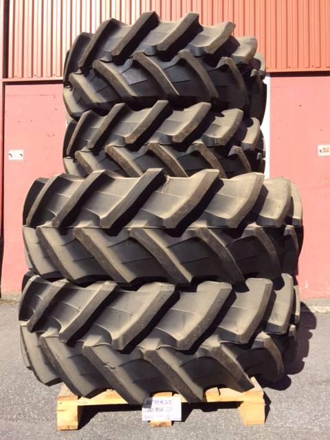 [Other] Traktordäck Pirelli/Trelleborg TM 700, Däck, hjul och fälgar, Entreprenad